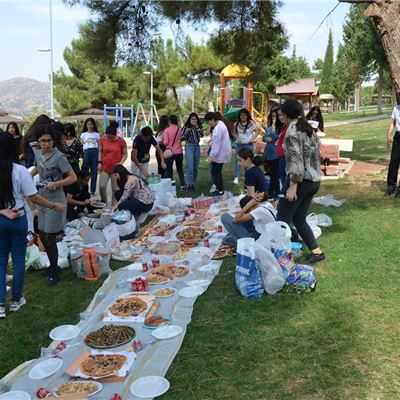 SARDAM IS GR.7 STUDENTS ENJOY A PICNIC TO BABLO