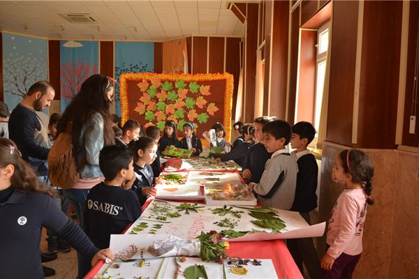 Sardam Students Hold Leaf Exhibition