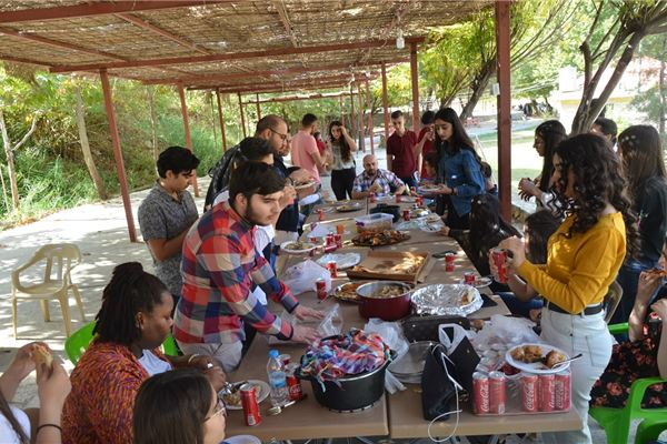 GRADE 10 STUDENTS ENJOY PICNIC