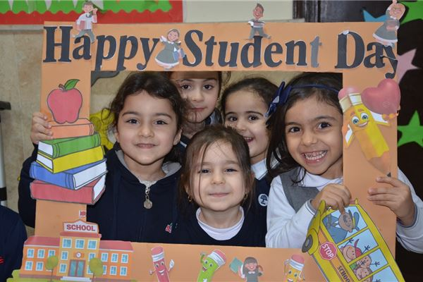 SARDAM STUDENTS ENJOY STUDENT DAY